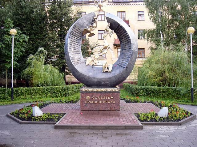 памятник сотрудникам милиции, милиционерам погибшим в Чечне