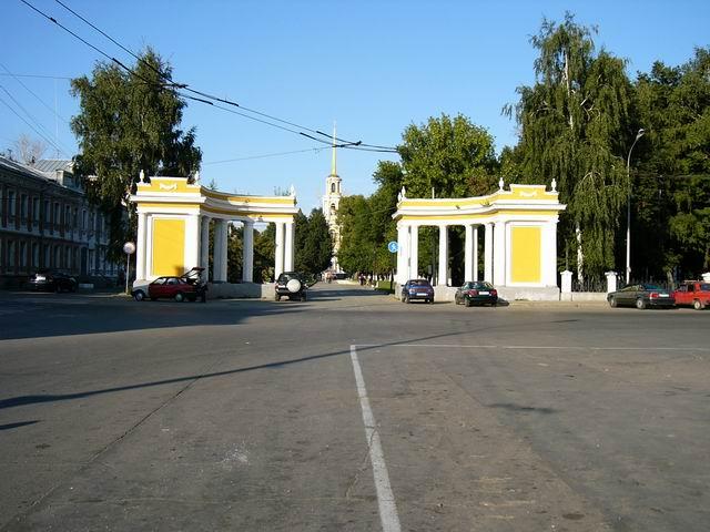 ворота перед Рязанским кремлем