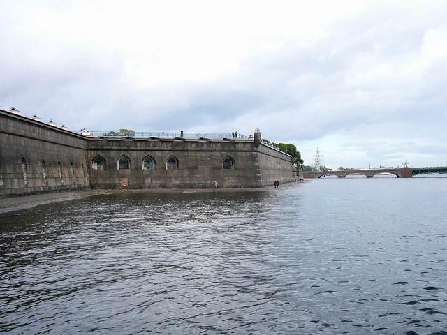 стены Петропавловской крепости