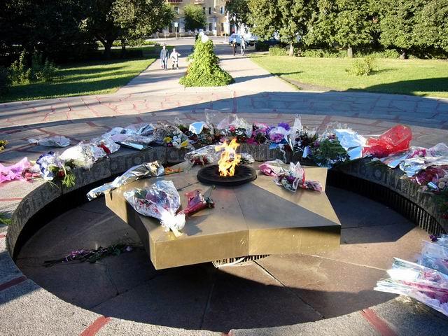 Вечный Огонь - памятник участникам войны, возле тамбовского парка культуры и отдыха