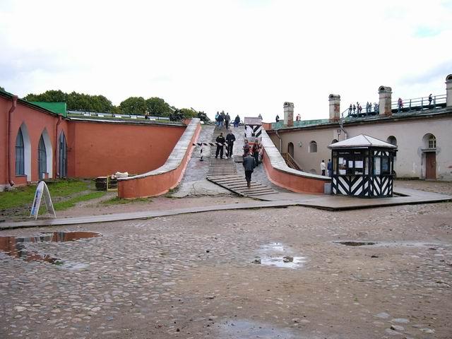 вход на экскурсию - прогулка по стенам Петропавловской крепости со смотровыми площадками