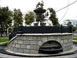 фонтан недалеко от гостиницы Метрополь